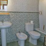 Apartamento para 6 personas. Baño completo.