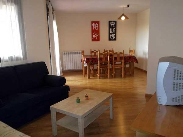 Apartamento para 6 personas. Salón comedor.