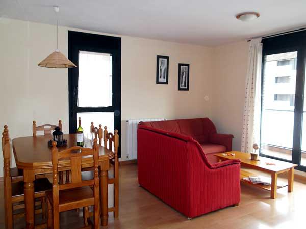 Apartamento para 4 personas. Salón comedor.